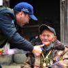 """""""疯子""""老兵张卓豪,92岁生日那天,他久久的抚摸着中国地图"""